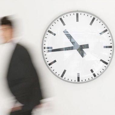 مدیرعامل در برابر زمان